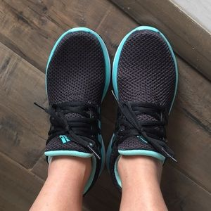 Ladies Size 6 Adidas Running Shoes